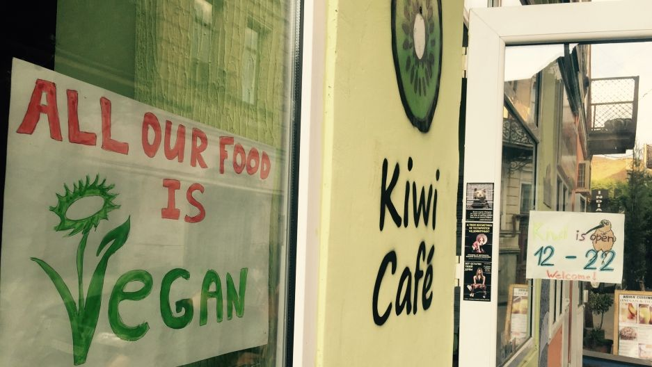Kiwi Cafe vegan restaurant