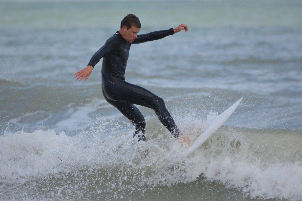 Picture of surfer by Ben_Kerckx via Pixabay