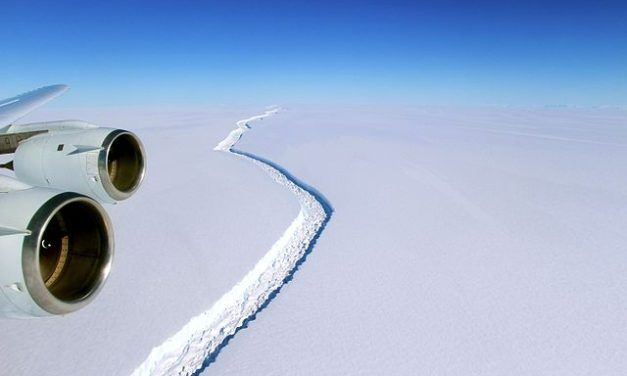 Iceberg The Size of Delaware Breaks Off Ice Shelf in Anarctica